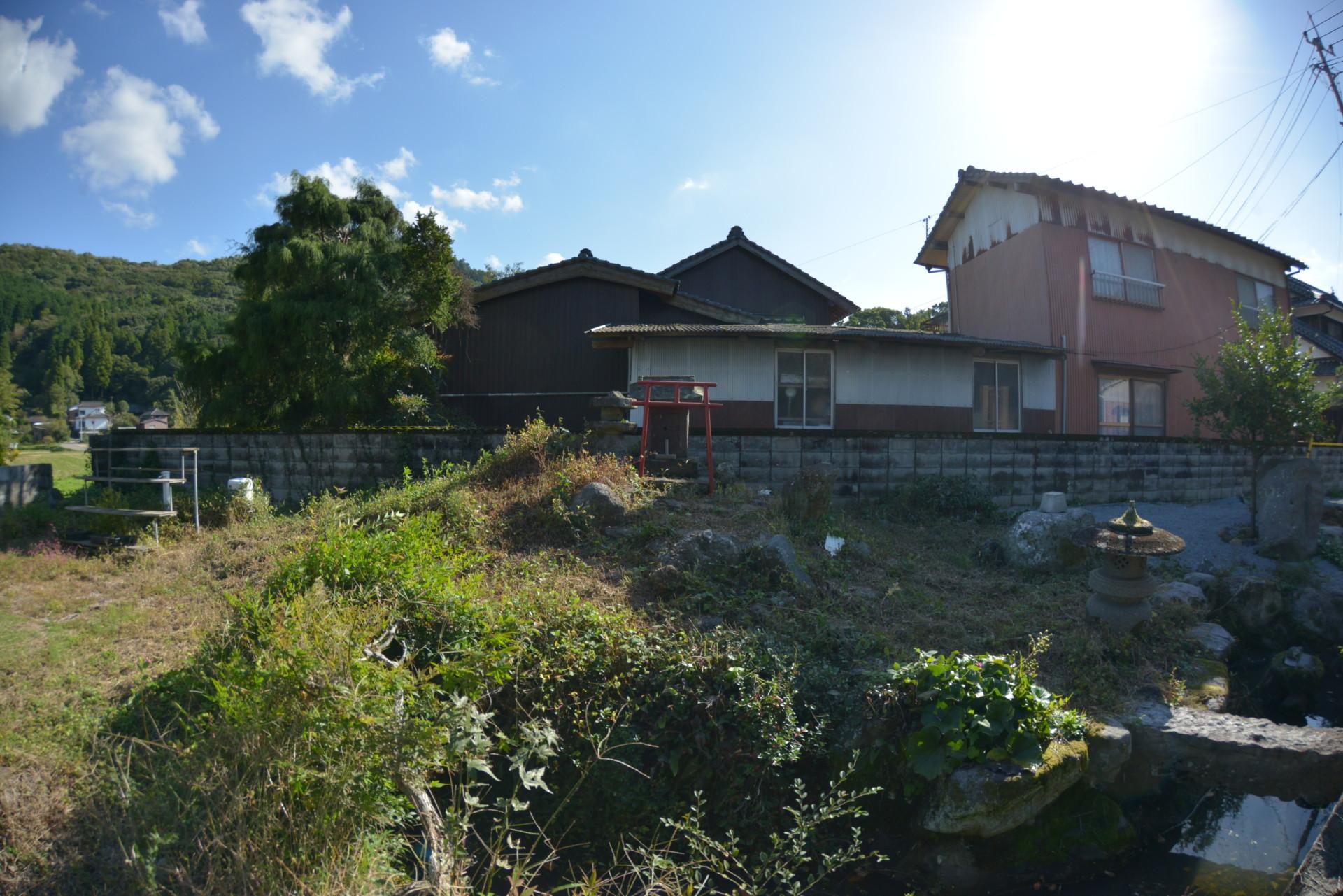 映画の美術スタッフとして全国を飛び回る多忙な生活から一転。たどり着いた豊後高田での田舎暮らし。